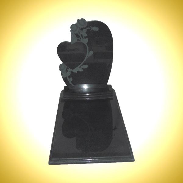 Lapide a forma di cuore nero